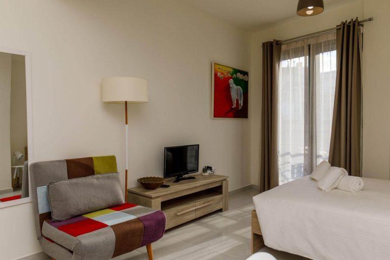 21 Thalia Balcony Studio Apartment