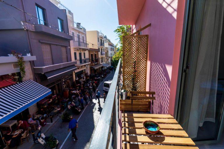 12 Clio Balcony Studio Apartment